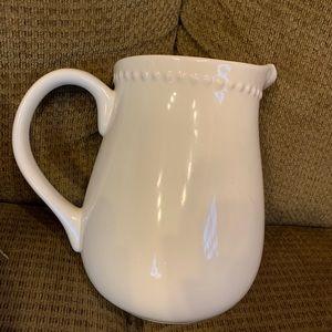 Ivory pitcher great for tea or lemonade